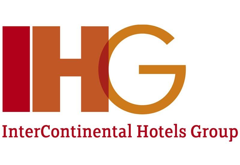 凭借在本地酒店的工作经历,在毕业后更容易跨过就业的门