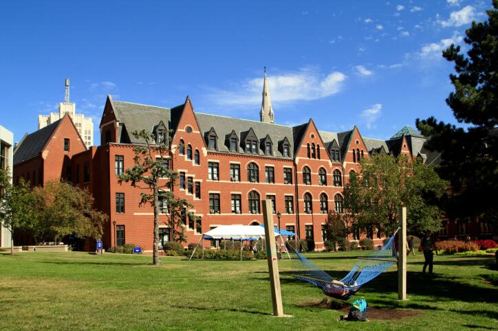 Saint Louis University (SLU) 圣路易斯大学
