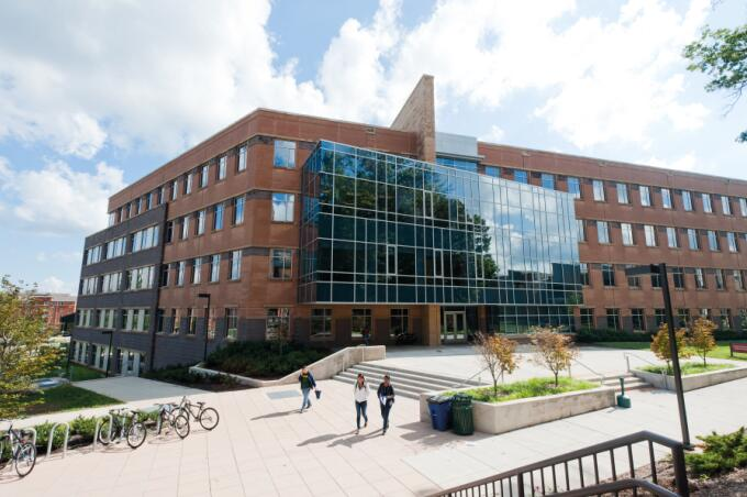 George Mason University (GMU) 乔治梅森大学