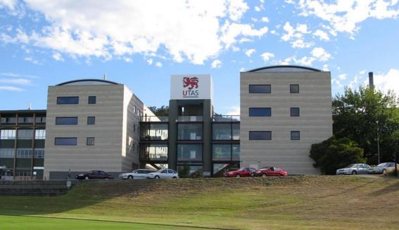 托斯马尼亚大学